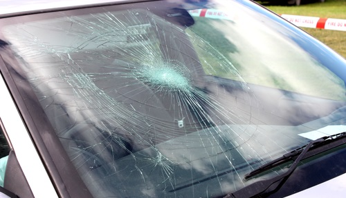 All-West-Glass-windshield-replacement: cracked windshield